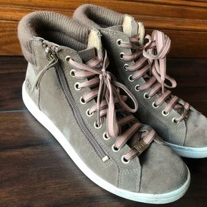 UGG | Hign Top Sneakers In Fawn